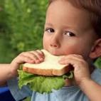Como alimentar a un niño adoptado