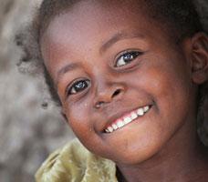 Soy soltera,estoy a la espera del certificado de idoneidad para adoptar en etiopía pero he oído hace poco que a partir de ahora los monoparentales ya no podrán adoptar allí ¿alguien podría informarme?