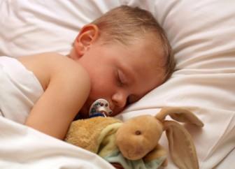 Mi hijo no quiere dormir en su cama
